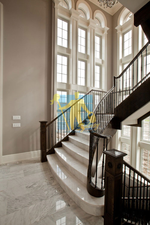 marble_tiles_traditional_stairsway_with_polished_light_marble_tiles_shiny